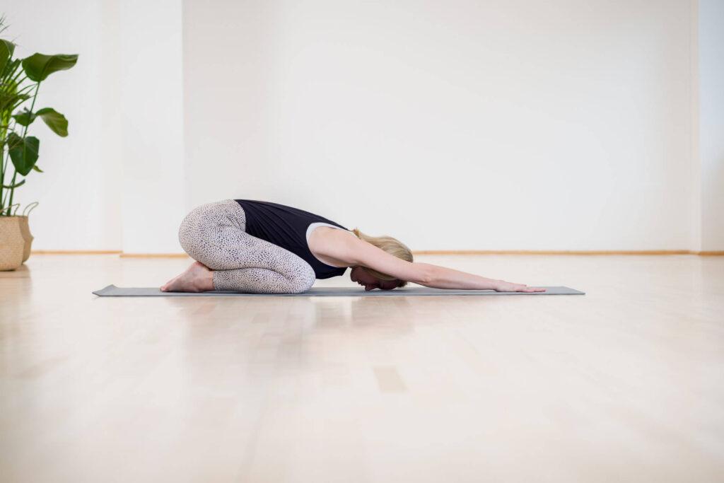 Yoga Übung für Stretch and Relax von Dr. Judith Mergen von Dr. Ju